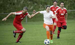 Von nichts kommt nichts – Trainieren ist Pflicht: FC Nationalrat - FC Erfrischungsgetränke 8:0